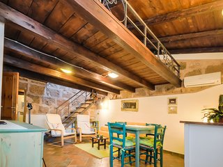 Great location in OldTown, steps to sea and ramparts,Alghero.300 meters to beach