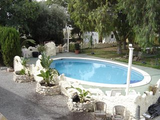 villa with conservatory,fire place,large pool and garden, ideal for large groups