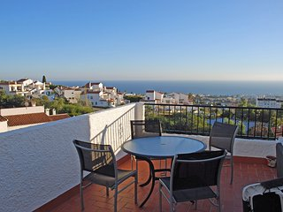 Well equipped apartment with panoramic views