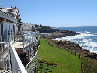 Perfect Coast Get-A-Way. Luxury Condo With Everything You Need., Depoe Bay