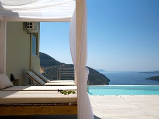 SUPERIOR 5 STAR VILLA SEA VIEWS NEAR MIKROS GIALOS BEACH NIDRI