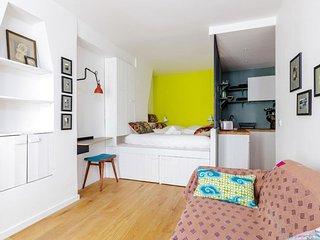 Abbesses apartment in 18ème - Montmartre with WiFi., Paris