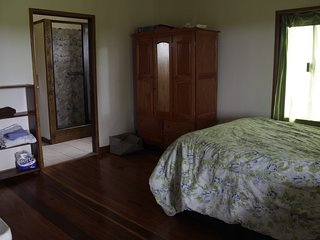 Private Room & Bath; Shared Home; 90 Acres; Hiking,Wildlife; Fruit, Swim, Peace, Spanish Lookout