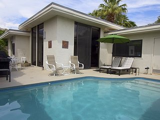 Racquet Club Vacation Condo, Palm Springs