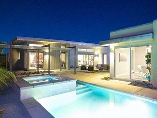 Movie Colony Villa - 7 Bedrooms, Palm Springs