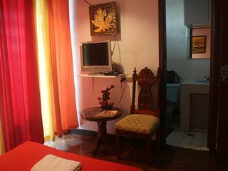 Peaceful Stay Cation - Airport Guesthouse - Free Airport Shuttle, Paranaque
