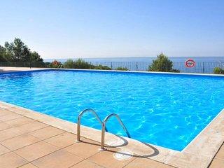 S-105. Apartamento para 7 personas con vistas al mar y piscina en Salou.