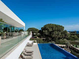 Casa Canavial - 5 bedroom luxury villa with pool, beach 5 minutes