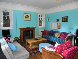 Silverdale Starlight, fabulous and spacious apartment with garden, Eastbourne