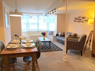 Smugglers Loft - Charming Lymington Holiday Apartment