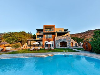 5 bedroom Grand Villa with private swimming pool and sea view, Ligaria