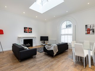 Luxury & brand new 2bed 2bath close to Paddington, St Johns