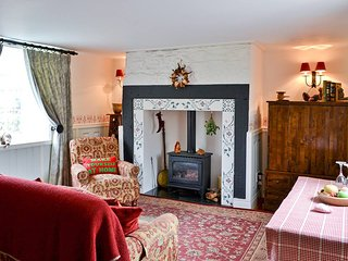 Romantic Holiday Cottage to relax,Walking, Beach combing for Sea Glass, shopping, Durham