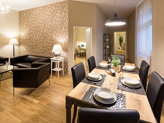 WENCESLAS SQUARE - 4 ROOM APARTMENT