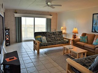 171IR - Beachfront Penthouse with Awesome Panoramic Gulf Views, Port Aransas