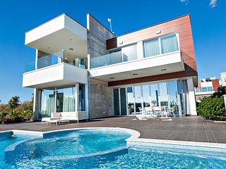 Vivo Mare Elite Luxury Home   3 Bedrooms