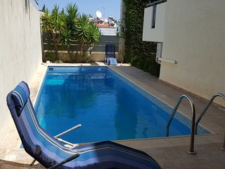Villa with private swimming pool.Central heating & two fireplaces.Close to beach