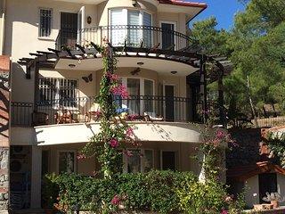 Beautiful Triplex Villa mountain views 3 bed 4 bath sleeps 6  Ovacik/Oludeniz
