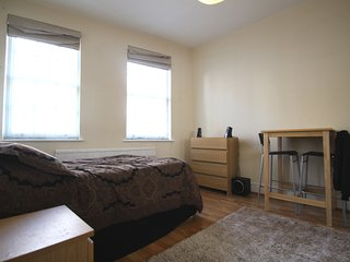 Lovely Apartment in Warren Street London W1T 5LW
