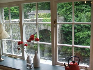 Bridge Cottage - alongside River Greta in Keswick
