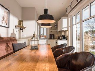 Kamphof, Luxus Ferienhaus 9, m.Kamin, 2 Terrassen, Whirlpool und tägl. Reinigung
