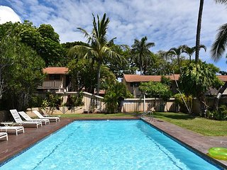 Spinnaker 216C Historic Lahaina Town 2 bedroom Condo with AC
