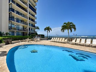 Hololani A204 Direct Ocean Views From All Rooms!! New Hardwood Floors!