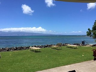 Kahana Reef 120 - Beautiful Ocean Front -Watch the Whales!