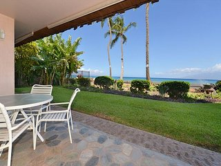 Kulakane 102 Direct Oceanfront 1 bed 1 bath Summer Specials
