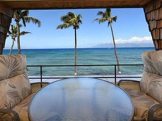Kulakane 304 Direct Oceanfront - Incredible Views - Great Snorkeling Beach