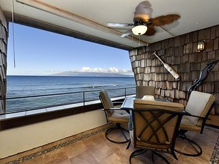 Kulakane 307 Direct Oceanfront - Incredible Views - Newly Remodeled, Lahaina