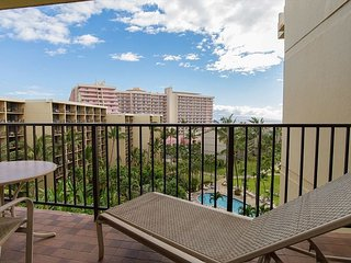 Kaanapali Shores 819 Oceanfront - Sunsets and Views Galore, Lahaina