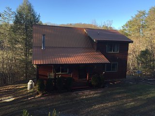 Two Bears Retreat-Great place for kids- close to Ocoee rafting and Toccoa river!