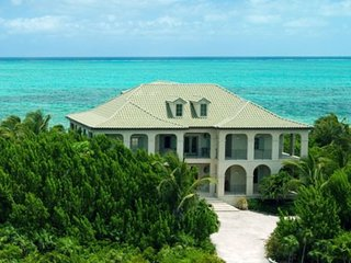 Luxury Villa on Grace Bay Beach, Providenciales