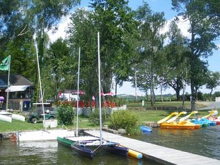 Location mobil-home pied dans l'eau, Villefranche-de-Panat