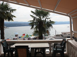 Amazing sea view beachfront, 20m from the main beach in Opatija