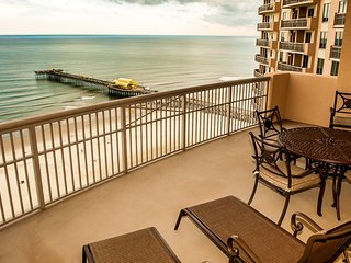 Luxury, Oceanfront. Free Dedicated Wi-Fi. KING BEDS and Bonus Den.