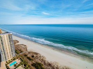 The REYNOLDS' Experience: Oceanfront Luxury, Comfort & Extra Deep Balcony!!