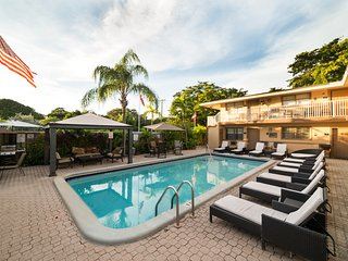 1BR CONDO-SUITE POOL GARDEN BBQ *SPECIAL* ^8a, Hollywood