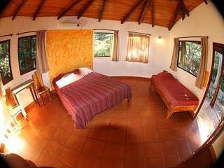Hotel Mauna Loa Bungalow #4