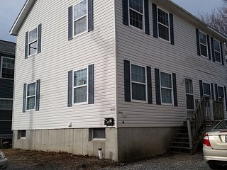 In town Edgewood St. Property Sleeps 10  fans in bedroom and livingroom area, Bar Harbor