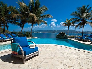 C'EST LA VUE...a peaceful, 6 BR lagoon front villa with private beach!