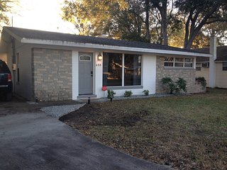 2 Bedroom Pet Friendly Home with garage and all the amenities of home!, Daytona Beach