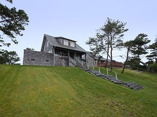 Blocks from the beach just north of Seaside in this classic Gearhart home!