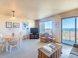 Experience this ideal oceanfront location on the Prom in Seaside, Oregon!