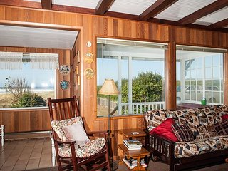 The ideal rustic oceanfront beach house in Rockaway with direct beach access!