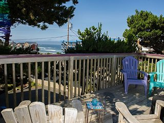 The ideal house for your family canine companion with beach access!, Lincoln City
