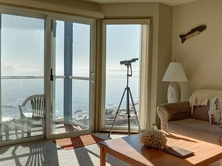 Breathtaking views from this 2nd level bay front condo in Lincoln City!
