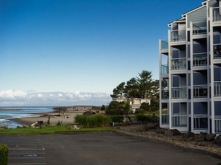 Stunning views from this bay front condo in Lincoln City's Taft District!