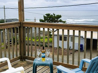 Cozy Gleneden Beach home with great views and amazing beach access!